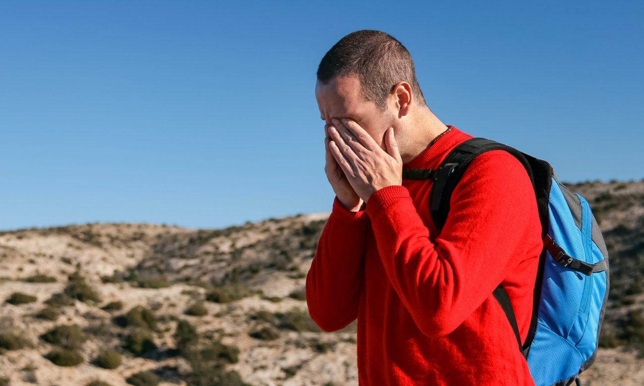 persoana cu migrene si reflux gastric